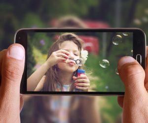 Aparat w telefonie czy kompaktowy?